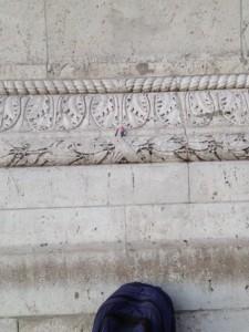 Here's Mario admiring the detail on the Arc de Triomphe. Che bella!